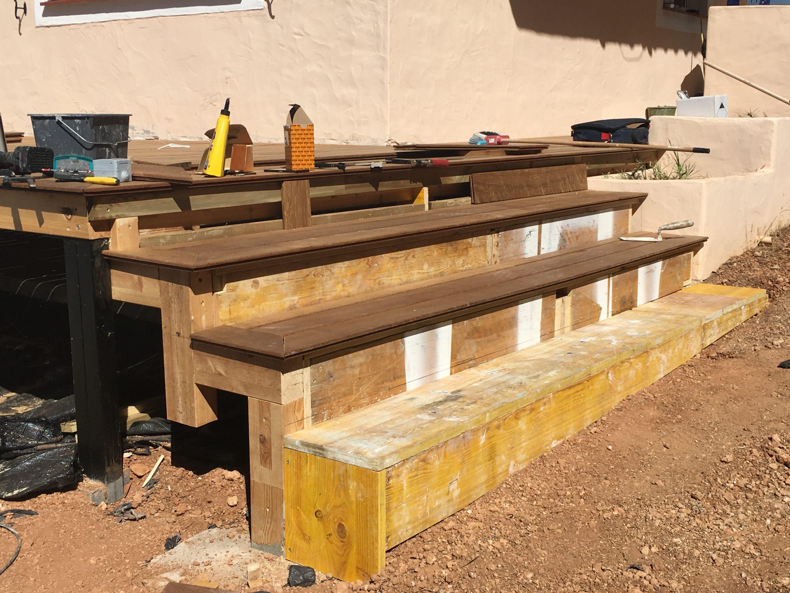 Création terrasse et escalier en bois à Ibiza